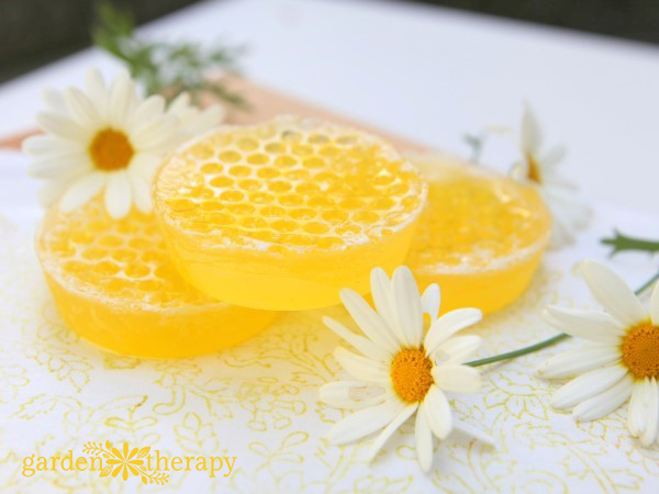 How to Make Gorgeous Honeycomb Soap Bars Easily at Home