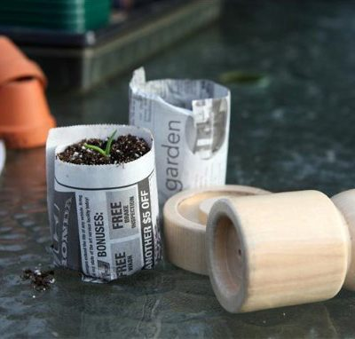VIDEO: How to Make Newspaper Seedling Pots