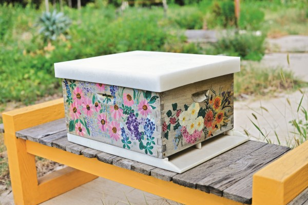 Beekeeper and bee-centric jewelry artist Anna Gieselman created this hive to celebrate the flower–bee connection.