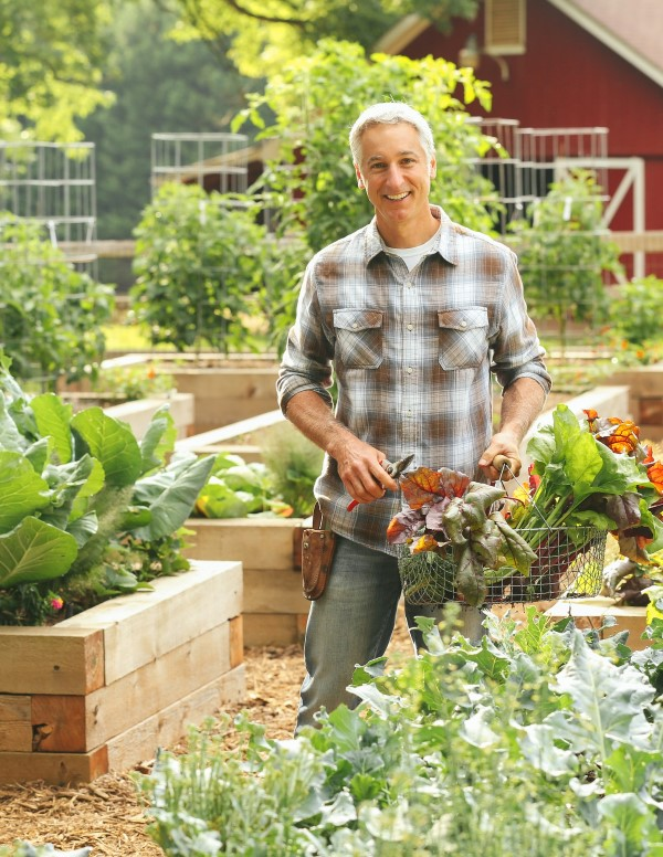 Joe Lamp'l' giving advice on growing your best tomatoes