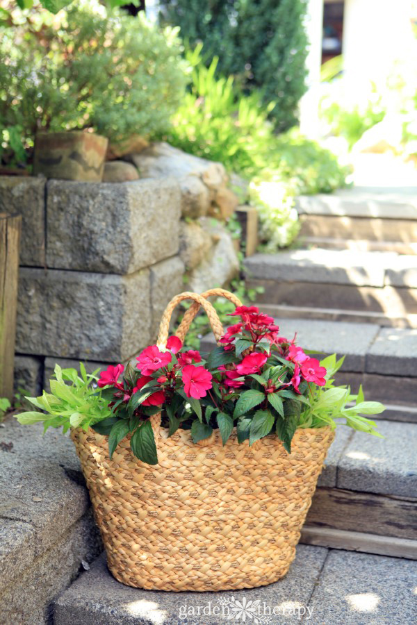 A summery straw purse planter