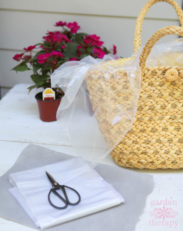 make a straw purse planter for a summery display