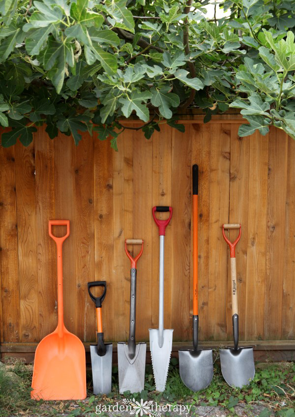 Garden Therapy Different Garden Ideas: The Home Gardener's Guide To Shovels And Spades