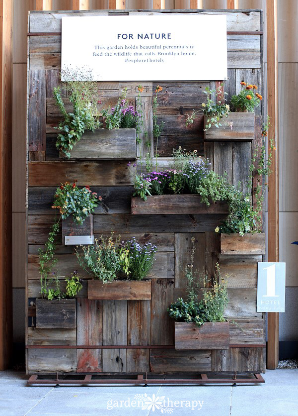 1 Hotel Brooklyn Bridge Urban Wall Garden