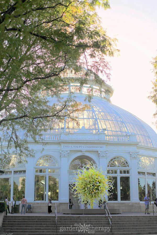 NYBG Tour: Chihuly art at Conservatory