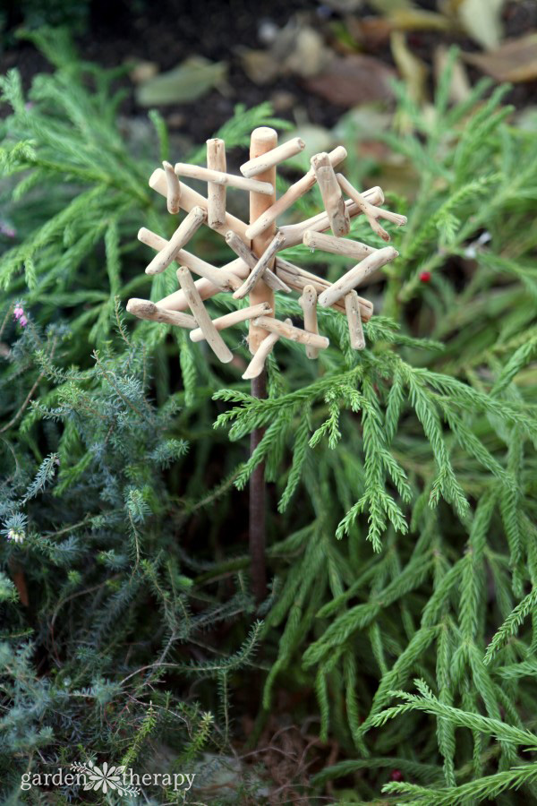 easy DIY wood planter ornaments