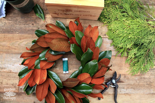 making a magnolia wreath