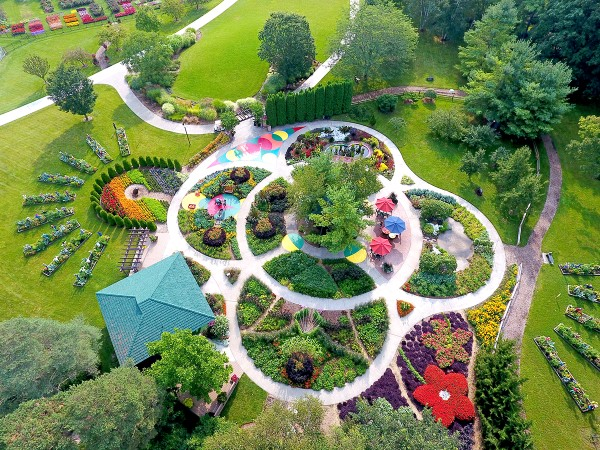 Bird's eye view of a large formal garden
