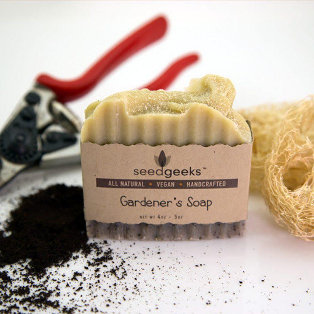 gardeners vegan soap with luffa gourd