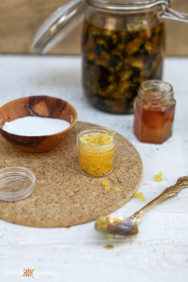 dandelion honey lip scrub