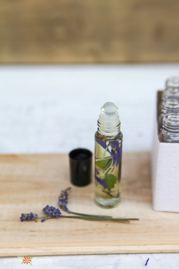 all-natural perfume recipe with essential oils and botanicals