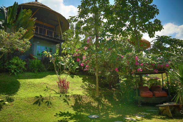 Bali treehouse and garden