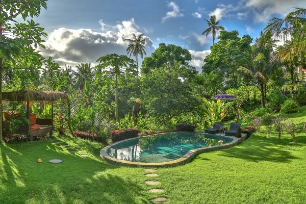 gardenside pool in Bali