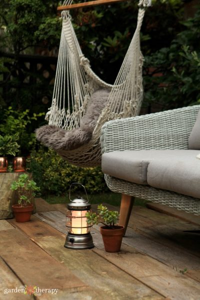 Creating a Cozy and Comfortable Outdoor Living Room for Summer Nights