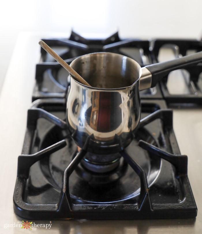 Brewing rosehip tea fore diy lozenge