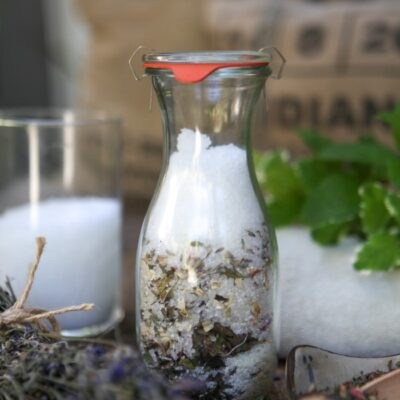 Soothing DIY Oatmeal Bath