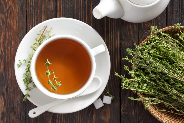 cup of homemade thyme tea to get thyme benefits
