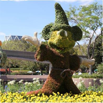 Mickey topiary at Epcot